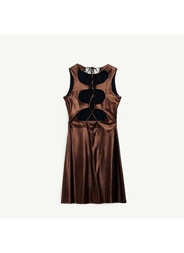 Yargıcı Sırt Detaylı Elbise Bakır
